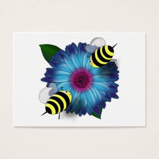 Cartoon-Honig-Bienen, die auf blauer Blume sich Visitenkarte