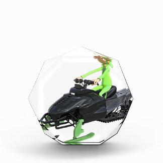 Cartoon-Junge auf einem Snowmobile Auszeichnung