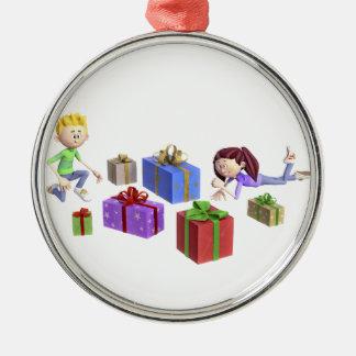 Cartoon-Kinder, die Geschenke öffnen Silbernes Ornament