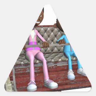 Cartoon-Mutter und Sohn auf einem Riesenrad Dreieckiger Aufkleber