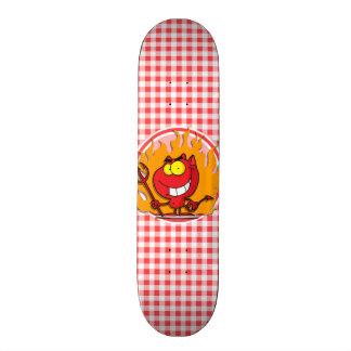 Cartoon-Teufel; Roter und weißer Gingham Personalisiertes Skateboard