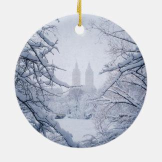 Central Park gerahmt im Schnee und im Eis Keramik Ornament