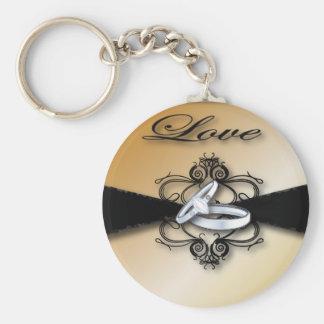Champagne, die Save the Date Wedding sind und Schlüsselanhänger