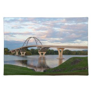 Champlain Brücke Stofftischset