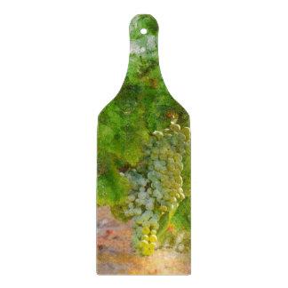 Chardonnay-Trauben auf der Rebe Schneidebrett
