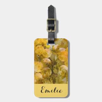 Chardonnay-Weintrauben auf der Rebe Kofferanhänger