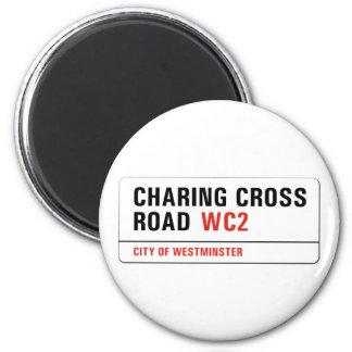 Charing Querstraße, London-Straßenschild Runder Magnet 5,7 Cm