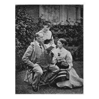 Charles Dickens mit zwei seiner Töchter Postkarte