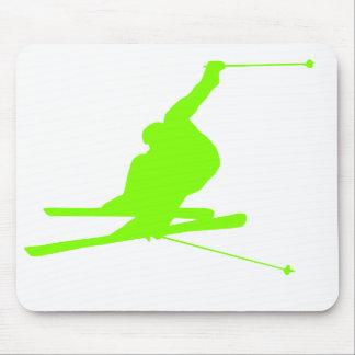 Chartreuse, grünes Schnee-Neonskifahren Mauspads