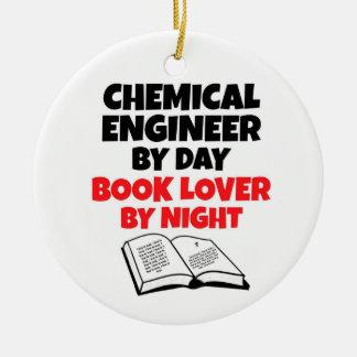 Chemieingenieur durch Tagesbuch-Liebhaber bis zum Keramik Ornament