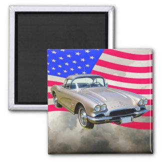 Chevrolet Corvette 1962 und amerikanische Flagge Quadratischer Magnet