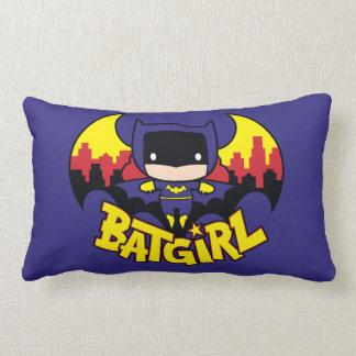 Chibi Batgirl mit Gotham Skylinen u. Logo Lendenkissen