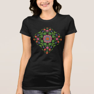 Chic BlumenRangoli auf dem T - Shirt der schwarzen