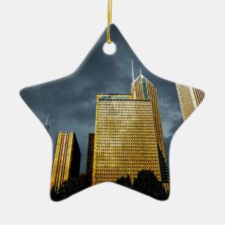 Chicago-Skyline vor einem Sturm Keramik Stern-Ornament