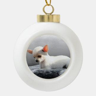 Chihuahua-Hundesitzende Hundeporträt-Kunst-Malerei Keramik Kugel-Ornament