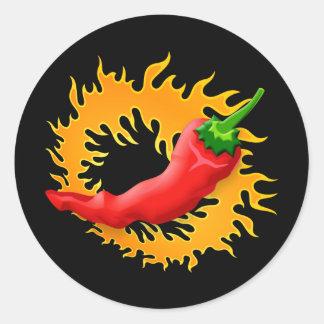 Chilipfeffer mit Flammenaufklebern Runder Aufkleber