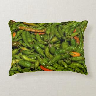 Chilis für Verkauf am Markt Dekokissen