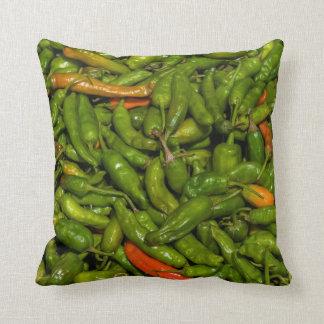 Chilis für Verkauf am Markt Kissen
