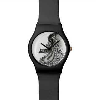 China-Drache in Tattoostyle Uhr