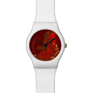 China-Dracherot und Goldentwurf Armbanduhr