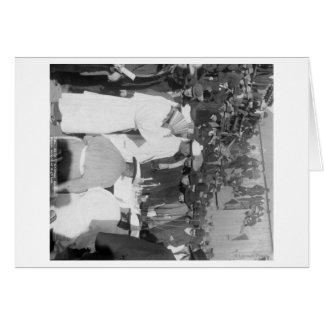Chinesische Trauernde am Beerdigungs-Service für Grußkarte