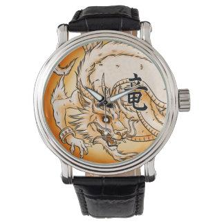Chinesisches Drache-Schwarz-Vintage lederne Uhr