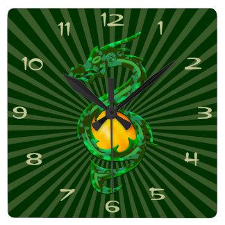 Chinesisches Jahr des Drache-Jade-Grüns Quadratische Wanduhr