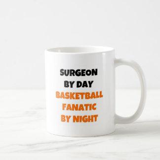 Chirurg durch Tagesbasketball-Fanatiker bis zum Kaffeetasse