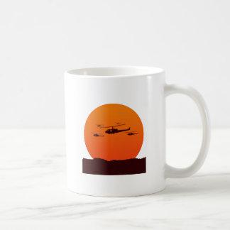 Chopper am Sonnenuntergangstrand Kaffeetasse