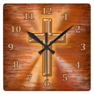 Christliche Uhren mit Goldkreuzgrunge-Hintergrund