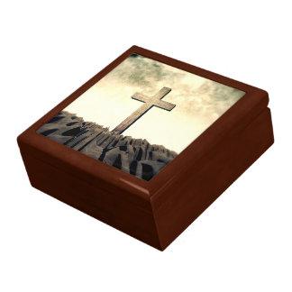 Christliches Kreuz auf Berg Geschenkbox