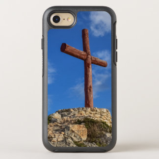 Christliches Kreuz gegen tiefen blauen Himmel OtterBox Symmetry iPhone 8/7 Hülle