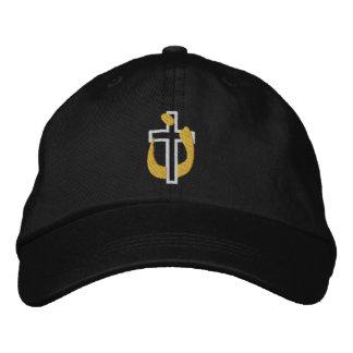 Christliches Religions-Kreuz und Bestickte Baseballkappe