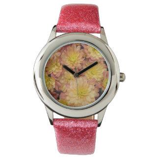 Chrysantheme-Pflanzen-Gruppen-Pfirsich Uhr