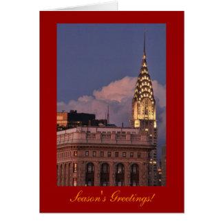 Chrysler-Gebäude aglow im Gold mit Flatiron Karte