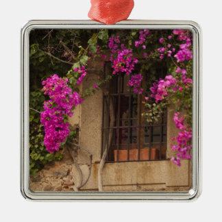 Ciudad monumental, Blume-bedeckte Gebäude Quadratisches Silberfarbenes Ornament