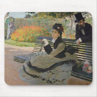 Claude Monet - Camille Monet auf einer Bank Mauspad