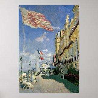 Claude Monet | das Hotel-DES Roches Noires Poster