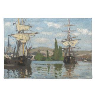 Claude Monet-Schiffe, die auf die Seine in Rouen Stofftischset