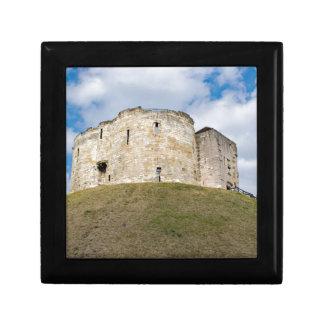 Cliffords Turm in historischem Gebäude Yorks Erinnerungskiste