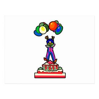 Clown, der aus einem Kuchen heraus schwimmt Postkarte