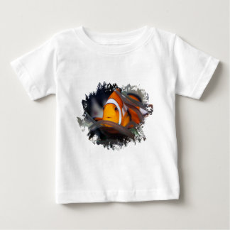 Clown-Fische in der Anemone Baby T-shirt