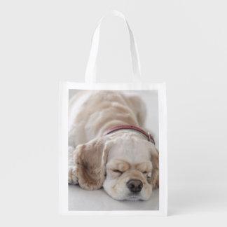 Cocker spaniel-Hundeschlafen Wiederverwendbare Einkaufstasche