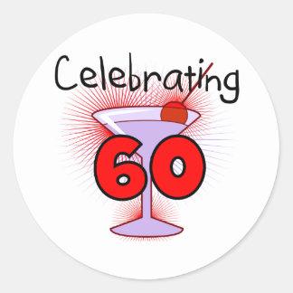 Cocktail, das 60 T-Shirts und Geschenke feiert Runder Aufkleber
