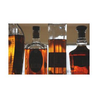 Cocktails für vier leinwanddrucke
