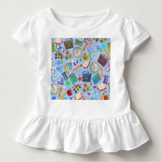 Collage des Schulbedarfs Kleinkind T-shirt