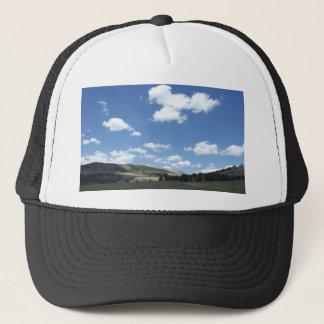 Colorado-Himmel über Bergen Truckerkappe