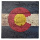 Colorado-Staats-Flagge auf altem hölzernem Korn Keramikfliese