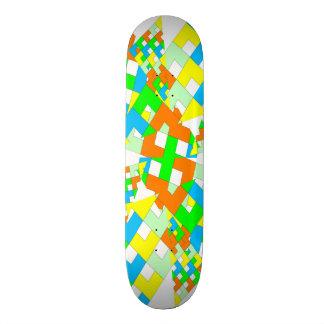 Colorful geometric style skateboard brett