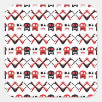 Comic-Schädel mit gekreuztem buntem Muster der Quadratischer Aufkleber